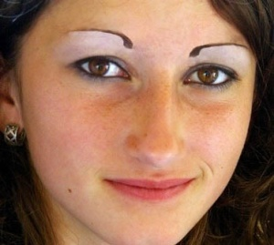 ced1de0c7e88ee594c1be9d6d8ebbfdf--perfect-eyebrows-bad-eyebrows.jpg